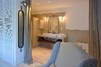 fabulous en-suite bathroom in Corsica -Villa Agnellu luxury apartment