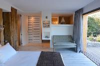 fresh and clean bedding in Corsica -Villa Agnellu luxury apartment