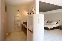 perky en-suite bath in Corsica -Villa Agnellu luxury apartment