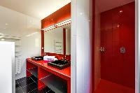 energizing bathroom walls of Corsica - Di Paci luxury apartment