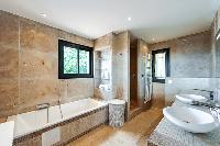 exquisite bathroom with tub in Corsica - Di Paci luxury apartment