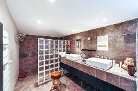 neat and nice bathroom in Corsica - Santa Giulia luxury apartment
