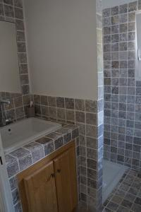 neat and clean bathroom of Corsica - Colomba luxury apartment