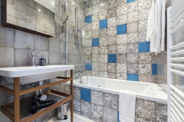 awesome bathroom with tub in Cannes Apartment Starlette III luxury home