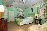 pristine bed sheets in New Providence Serendip Cove luxury vacation rental