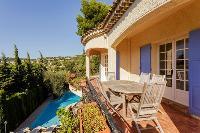 impressive exterior of Cannes Villa Les Terrasses luxury apartment