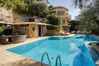 refreshing pool of Cannes Villa Les Terrasses luxury apartment