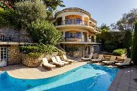 awesome pool of Cannes Villa Les Terrasses luxury apartment