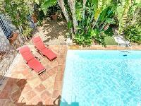 cool pool area of Cannes Villa L'Autre Temps luxury apartment