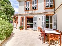 bright and breezy Cannes Villa L'Autre Temps luxury apartment