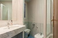 spic-and-span bathroom in Barcelona - Paseo de Gracia 4BR luxury apartment