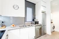 spacious Barcelona - Modern Ramblas 2BR luxury apartment