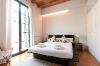 awesome access to the balcony of Barcelona - Modern Ramblas 2BR luxury apartment