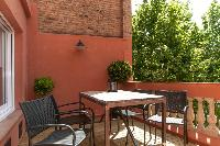 unforgettable alfresco dinners at Barcelona - Sant Antoni Market 3BR luxury apartment