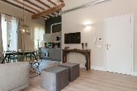 spacious Barcelona - Sant Antoni Market 3BR luxury apartment