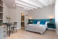 bright and breezy Barcelona - Sant Antoni Market 3BR luxury apartment