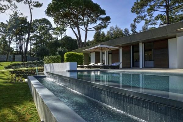 Lisbon - Villa Os Pinheiros