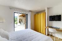 clean and fresh bedding in Corsica - Villa Algajola luxury apartment