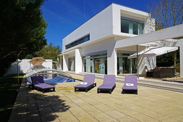 splendid Lisbon - Villa Belas luxury apartment and vacation rental