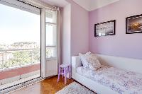 fresh and clean bedroom linens in Lisbon - O Tejo luxury apartment and vacation rental