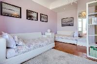 dainty Lisbon - O Tejo luxury apartment and vacation rental