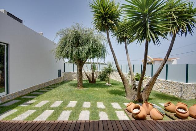 lush and lovely garden of Lisbon - Mafra Villa Strelitzia luxury apartment and vacation rental