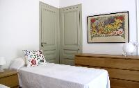 pristine pillows and bed sheets in Barcelona - Sant Pere Modernist I luxury apartment