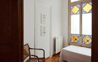 fascinating windows of Barcelona - Sant Pere Modernist 3 1 luxury apartment