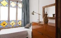 lovely windows of Barcelona - Sant Pere Modernist 3 1 luxury apartment