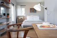 fresh and neat bedding in Cannes - Villa Le Pontiel luxury apartment