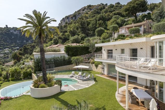impressive architecture of Monaco - Vue sur Mer Villa luxury apartment