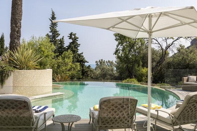 rejuvenating swimming pool of Monaco - Vue sur Mer Villa luxury apartment