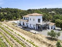 neat exterior of Saint-Tropez - Vue Sereine Villa luxury apartment