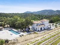magnificent shot of Saint-Tropez - Vue Sereine Villa luxury apartment