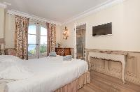 lovely bedroom with balcony at Saint-Tropez - Palm View Villa luxury apartment
