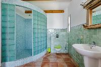 refreshing bathroom in Corsica - Arinella luxury apartment