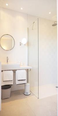 cool rain shower in Corsica - Alta Roccha luxury apartment