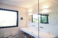 neat and trim bathroom in Corsica - Alta Roccha luxury apartment