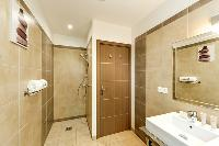 fresh and clean bathroom in Corsica - Cala Rossa luxury apartment