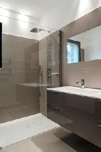 neat and trim bathroom in Corsica - Palombaggia luxury apartment