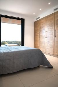 fresh and clean bedding in Corsica - Palombaggia luxury apartment