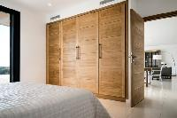 nice bedroom furnishings in Corsica - Palombaggia luxury apartment