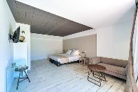 spacious bedroom in Corsica - Villa Caprettu luxury apartment