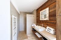 awesome bathroom of Corsica - Villa Caprettu luxury apartment