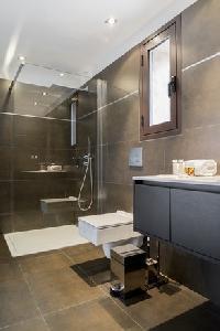 dapper bathroom in Corsica - Oso luxury apartment