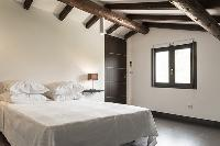 clean and fresh bedding in Corsica - Oso luxury apartment
