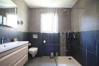 clean and fresh bathroom of Corsica - Pietra luxury apartment