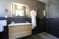 neat and trim bathroom of Corsica - Pietra luxury apartment