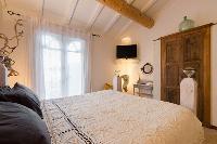 fancy bedroom in Corsica - Villa Authentique luxury apartment