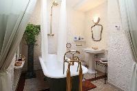 fancy freestanding bathtub in Corsica - Villa Authentique luxury apartment